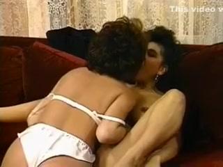 vintage lesbians in high heels (Alicia Rio)