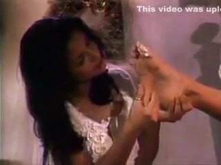 Asia Carrera gets feet worshipped